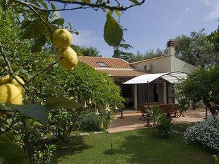 3 bedroom Villa with WiFi - 5763375