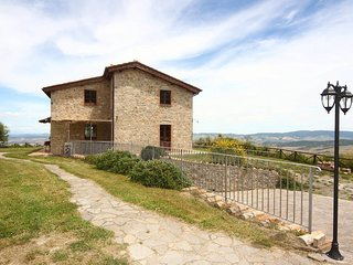 Campiglia d'Orcia Villa Sleeps 8 with WiFi - 5762340
