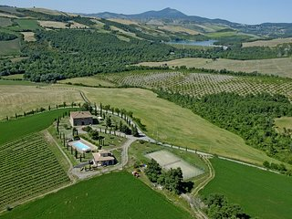Trevinano Villa Sleeps 10 with Pool and WiFi - 5762329