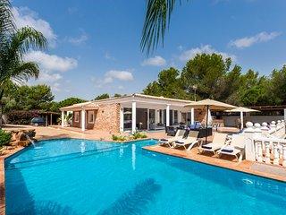 6 bedroom Villa in Santa Eulària des Riu, Balearic Islands, Spain - 5766452