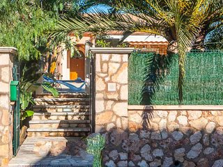 Portocolom Villa Sleeps 6 with Air Con and WiFi - 5000850