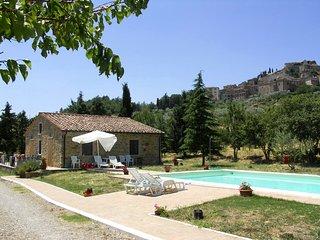 Castiglione d'Orcia Villa Sleeps 4 with Pool - 5762315