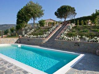 2 bedroom Villa in Metelliano, Tuscany, Italy - 5763293