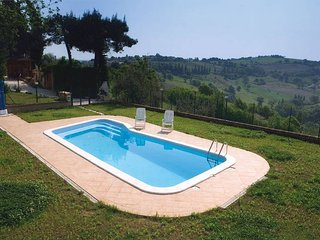 2 bedroom Apartment with Pool - 5762848