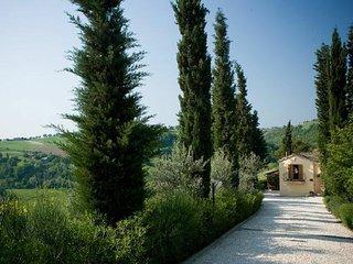 Montecarotto Villa Sleeps 12 with Pool and Air Con - 5764738