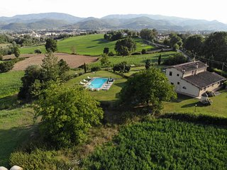 Battiloro Villa Sleeps 10 with Pool Air Con and WiFi - 5762710