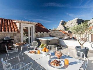 3 bedroom Villa with Air Con and WiFi - 5765909