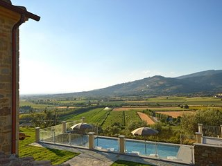 Il Castagno Villa Sleeps 6 with Pool and WiFi - 5764094