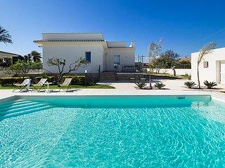 Lido Signorino Villa Sleeps 4 with Pool Air Con and WiFi - 5763317