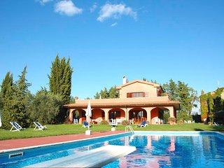 3 bedroom Villa with Pool - 5763318