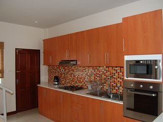 Nice townhouse in a relaxing gated community in Hua Hin. Big pool