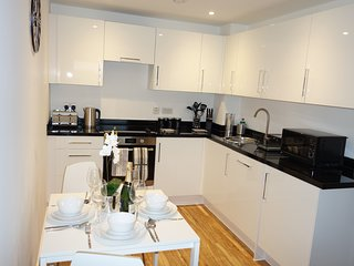 Aire Modern Apartments Leeds - 2 Bed 2 Bathrooms