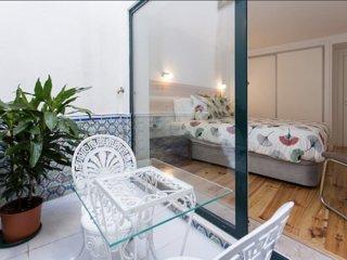 Elegant Apartment with Terrace Bairo Alto