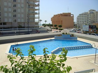 Cozy apartment a short walk away (152 m) from the 'Playa Norte' in Peníscola wit
