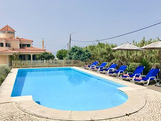 VILLA PRAIA GRANDE WITH AIR CONDITIONING