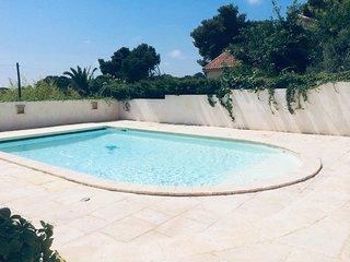 Villa avec piscine LE 27