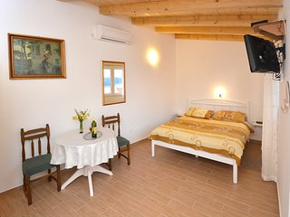 Guest House Enny - Studio Apartment with Terrace and Sea View