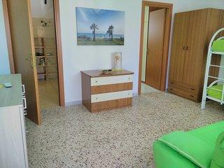 (B65) Comfort apartment near the sea, Angelsa Holiday Accommodation