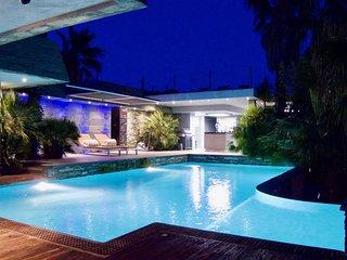 Location maison de prestige avec piscine privee en Corse du Sud