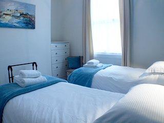 Crown Spa Apartments 12 Flat 2