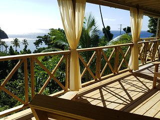 Mango Lodge, Toucari. Ocean view and a short walk to the beach