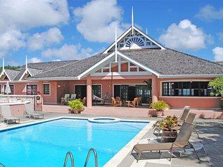 Luxury 5 bedroom villa overlooking the Caribbean sea and coral reef