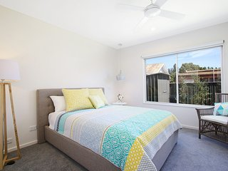 18 on Rayner - swish apartment in central Myrtleford
