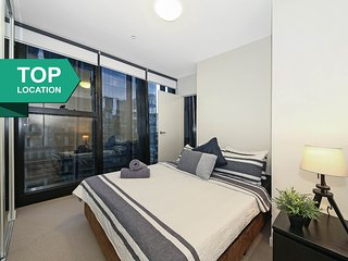 A Modern CBD Apt on Collins Near Southern Cross