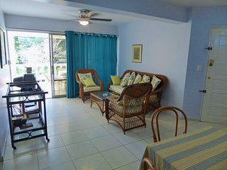 Large Ground Floor Condo In Quiet Area 5 Minute Walk From Beach And Town