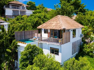 Holiday rental villa with private pool and 2 bedrooms