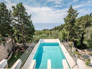 Stunning new 2 bedroom Luxury villa with infinity pool