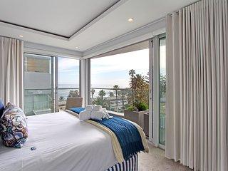 Prestina | Oceanside Luxury 3 Bedroom Apartment