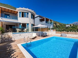 -10% At Villa Mare with Private Pool & Spectacular PanoramicViews Until Mid July