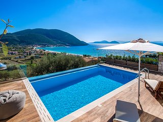 Brand new villa with private pool and sea view in Lefkada