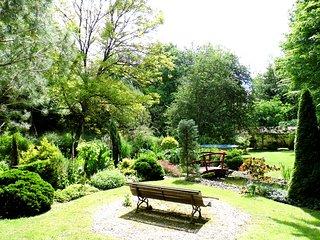 Petit château avec jardin enchanté