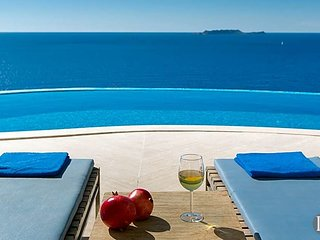 Kas Villa Sleeps 10 with Pool Air Con and WiFi - 5586448