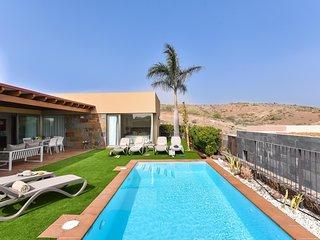 Par 4 Villa 9 with Pool in Salobre