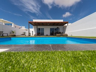 Superior Villa with Pool in Playa Blanca Lanzarote MT