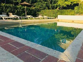 IRIS DE PROVENCE, Superbe appartement, piscine, magnifique parc arbore, 3***