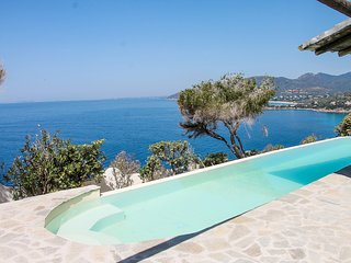 Villa Myra: open window over blue sea and incredible sunsets