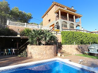 Entertaining Villa Del Cel with private pool and more