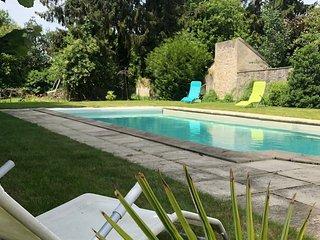 Villa glamour chic avec piscine privee en region parisienne