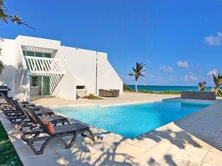 Seascape Villa- Award winning ocean front estate
