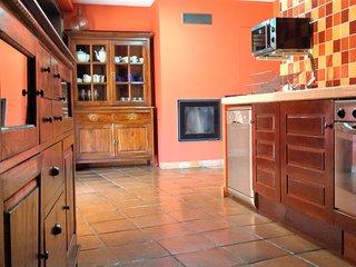 Casa rural en Sotes ( La Rioja )  para grupos o familias. Acogedora y funcional.