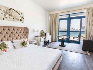 Beachfront 5 bedroom plus maid's room Villa -  East 17