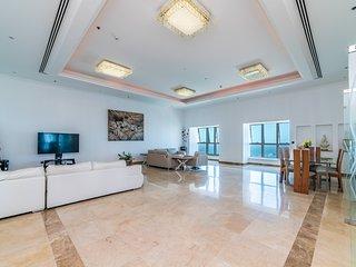 Elite Res Penthouse in Dubai Marina with Panoramic Sea View