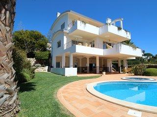 Quinta da Fortaleza, 4 bedroom deluxe villa near Cabanas Velhas beach (JG1)