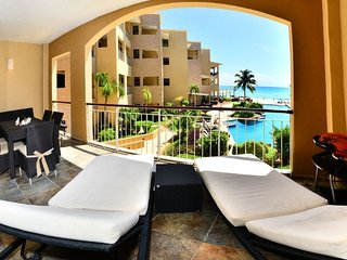Spacious beachfront apartment. El Faro.204 Coral