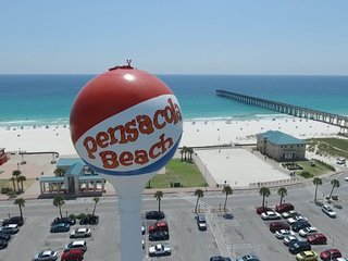 One block walk to the Gulf of Mexico - Vacation Home Pensacola Beach Florida