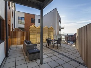 Stunning 2 bed, 2 bath apartment with private terrace | Byron Woolacombe